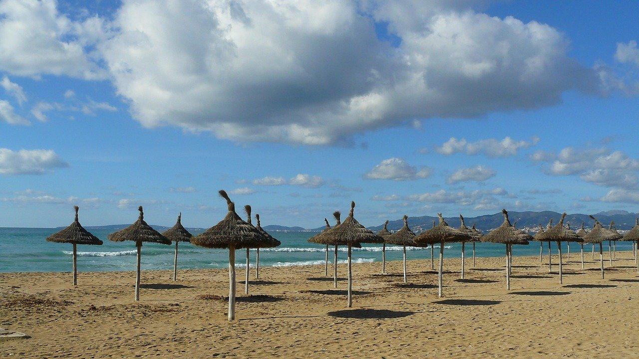 Mallorca im Winter: Der Strand an der Playa de Palma.