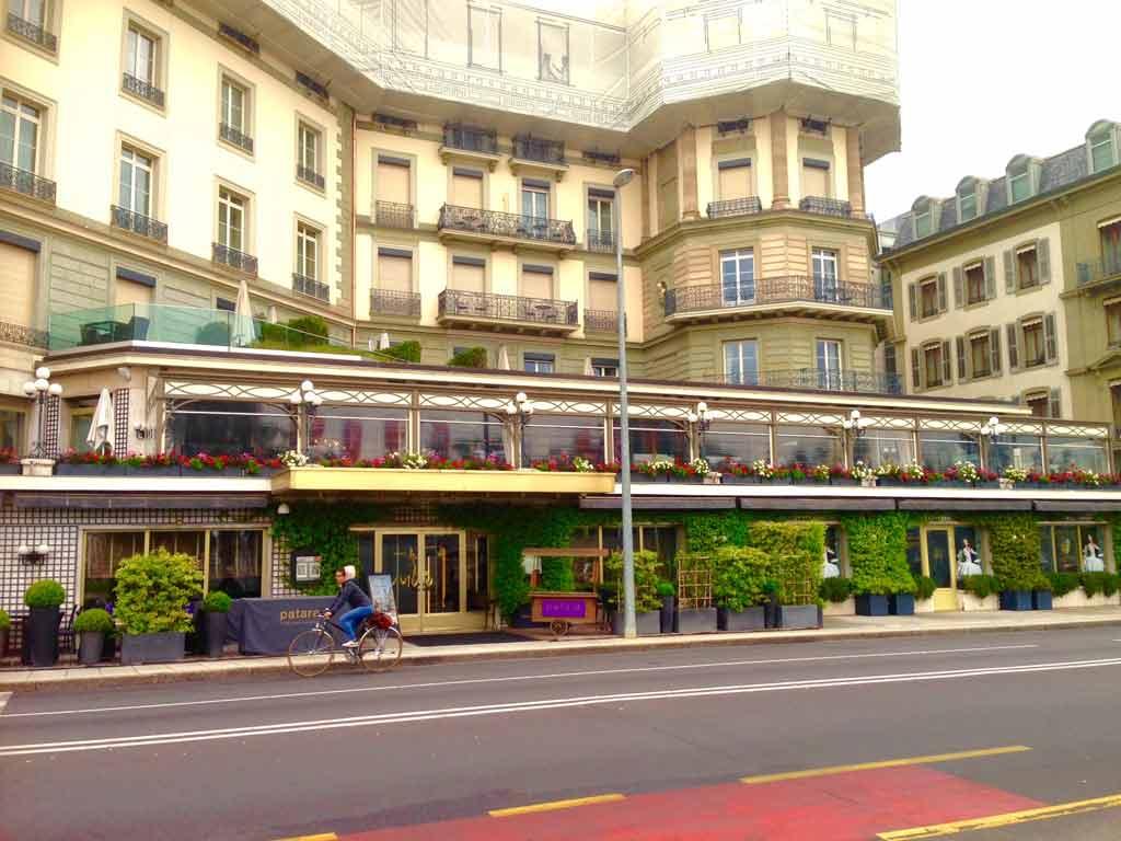 Genf Tipp Hotel Beau Rivage Terrasse mit Blick auf den See