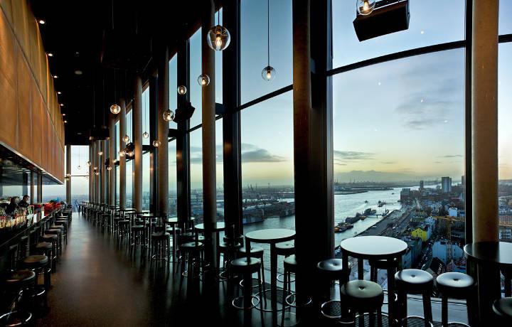 Bar Hamburg mit Elbblick