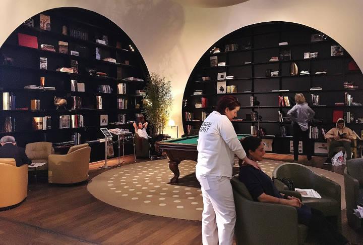 CIP Lounge Turkish Airline Massage