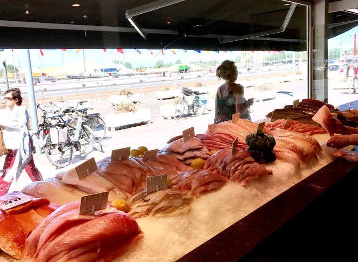 Fischgeschäft in Nieuwpoort