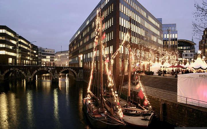 Weihnachtsmarkt Hamburg: Der maritime Markt auf der Fleetinsel