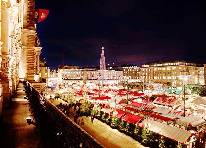 Weihnachtsmarkt Hamburg: der Rathausmarkt