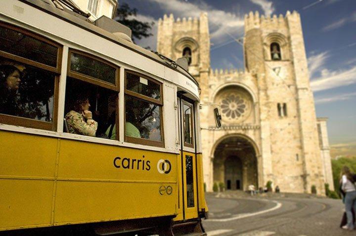 Lissabon Sehenswürdigkeit Tram