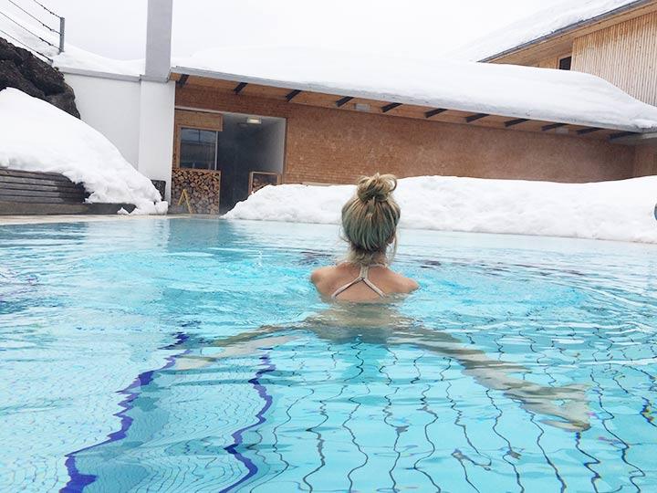 Schwimmen beim Yoga im Allgäu
