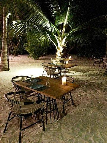 Urlaub am Strand im Kandima Maldives Resort