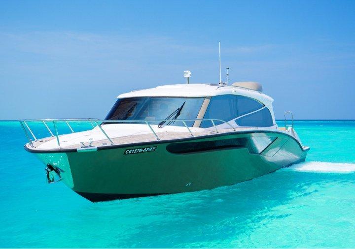 Huvafen Fushi Malediven Speedboot