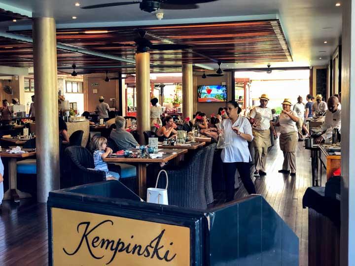 Dinner Buffet im Kempinski Mahe