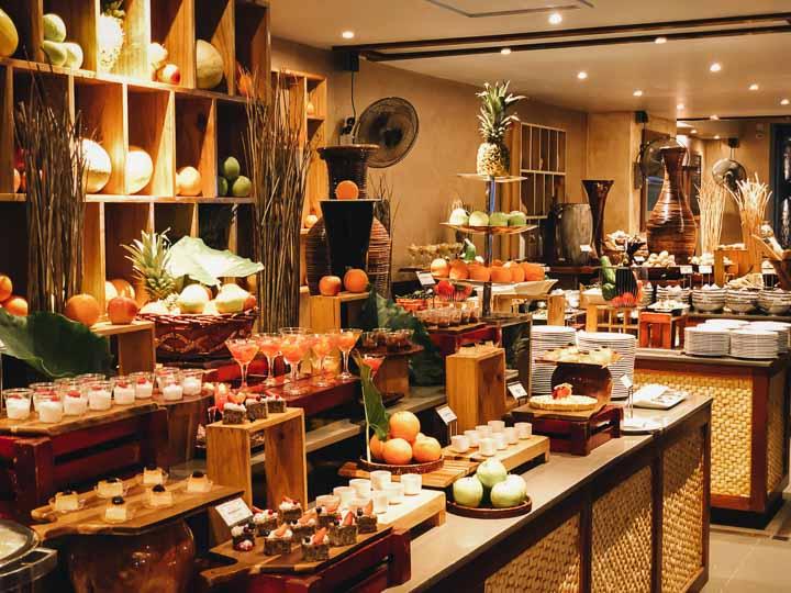 große Auswahl beimFrühstücksbuffet im Kempinski Baie Lazare